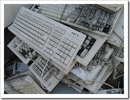 acer-keyboard-in-a-pile-of-com