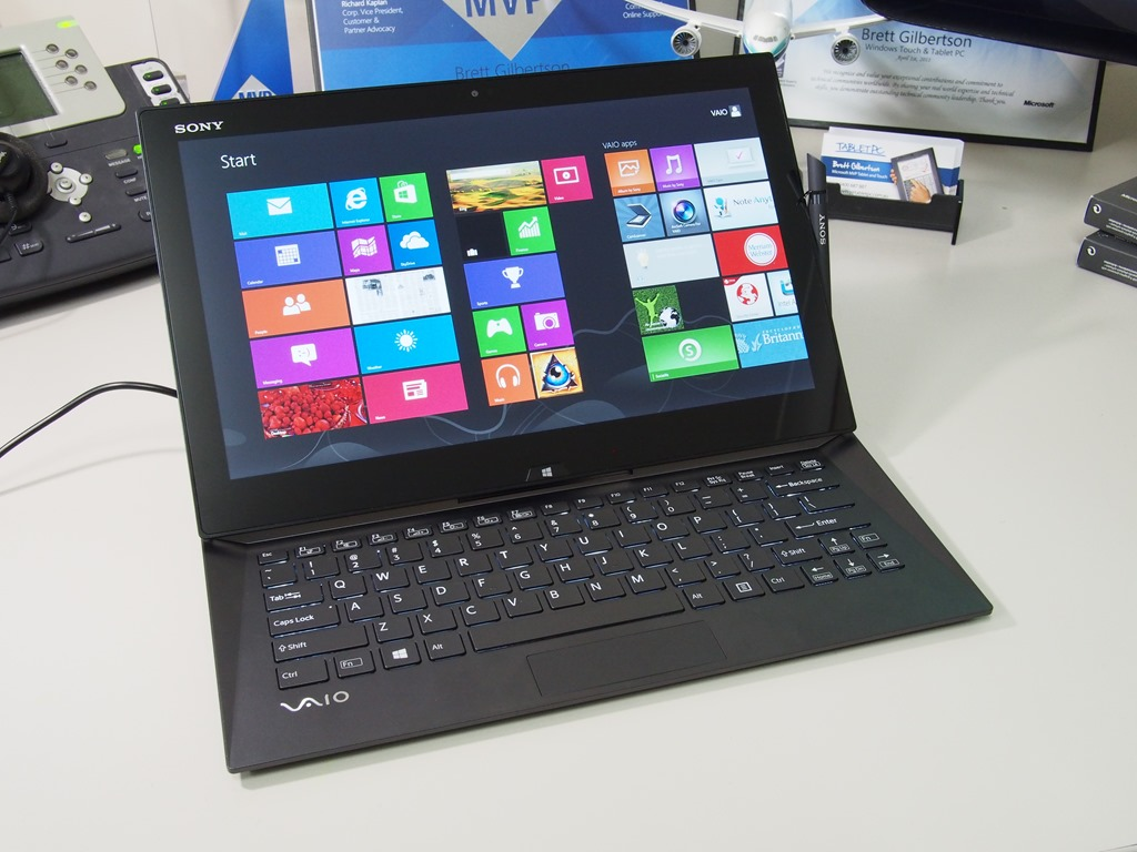 sony vaio duo 13 haswell windows 8 tablet in pictures. Black Bedroom Furniture Sets. Home Design Ideas