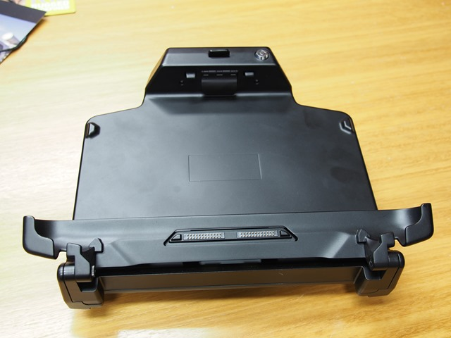 Motion-R12-Rugged-Windows-8-tablets-0031